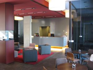 The lounge or bar area at Hotel Königstein