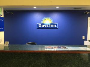 The lobby or reception area at Days Inn by Wyndham Lincoln