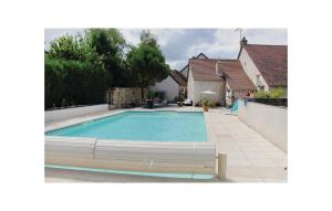 The swimming pool at or near Holiday home Dame Marie les Bois 41
