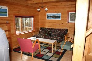 A seating area at Little Atlin Lodge