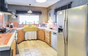 Küche/Küchenzeile in der Unterkunft Holiday home Rue de la Serre