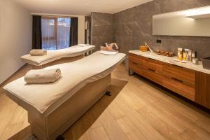 Luxury Hotel Rivaにあるバスルーム