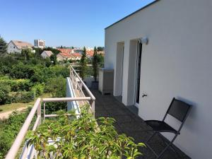 A balcony or terrace at Bel appartement
