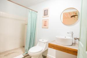 A bathroom at Selina La Fortuna