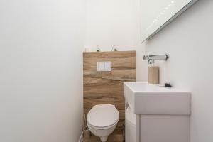 A bathroom at LUXURIUS PENTHOUSE