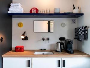 A kitchen or kitchenette at SWEETS - Hortusbrug