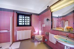 A bathroom at Gotha Hotel Turin Airport