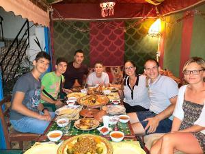 Restaurant ou autre lieu de restauration dans l'établissement Maison d'hôtes Cité Portugaise