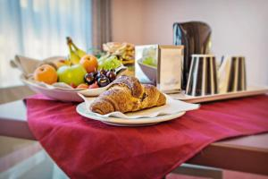 Breakfast options available to guests at Gotha Hotel Turin Airport