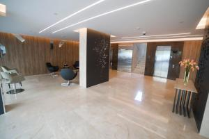 The lobby or reception area at Rawsheh 51