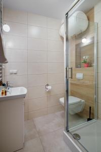 A bathroom at Willa Dębowa