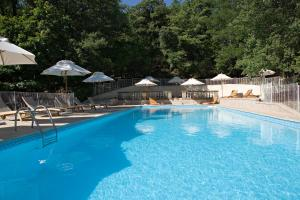 The swimming pool at or near Château de Rochegude - Relais & Châteaux