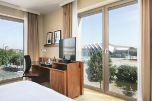 A television and/or entertainment center at Courtyard by Marriott Bremen