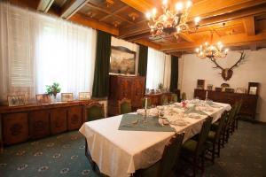 Un restaurant sau alt loc unde se poate mânca la Kormos Residence