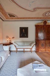 Ein Sitzbereich in der Unterkunft Castello Fai