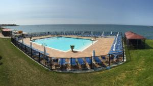 A view of the pool at Waters Edge Resort and Spa TimeShare or nearby