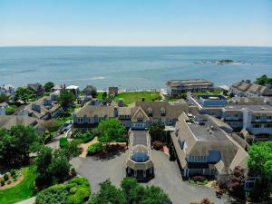 A bird's-eye view of Waters Edge Resort and Spa TimeShare