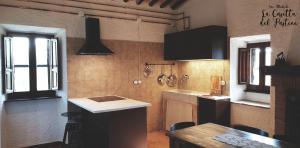 Cucina o angolo cottura di La Casetta del Pastine, Il Borgo Diffuso di San Michele