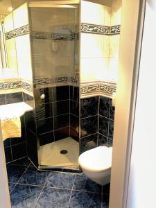 A bathroom at Mokni's Palais Hotel & SPA