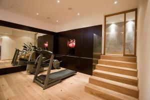 The fitness center and/or fitness facilities at Hotel Gräfrather Hof