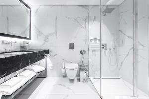A bathroom at Hotel PACAI