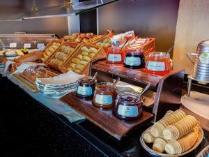 Breakfast options available to guests at Novotel Karlsruhe City