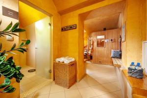 Vonios kambarys apgyvendinimo įstaigoje Hotel Amber Design