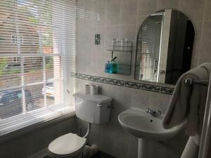 A bathroom at Prince of Wales Marlow