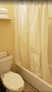 Un baño de BONITTO INN® Mante
