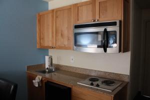 A kitchen or kitchenette at Baymont by Wyndham Yakima