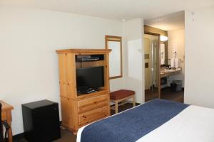 A television and/or entertainment center at Baymont by Wyndham Yakima