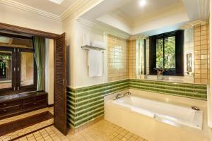 ห้องน้ำของ คาทิลิยา เมาน์เทน รีสอร์ท แอนด์ สปา เชียงราย