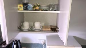 A kitchen or kitchenette at Ballarat Eureka Lodge Motel