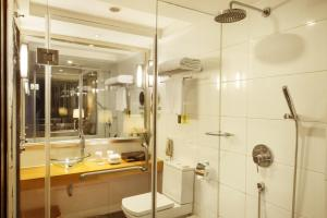 A bathroom at Leeden Hotel Guangzhou