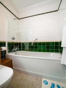 A bathroom at International Hotel
