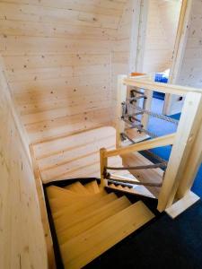 Łóżko lub łóżka piętrowe w pokoju w obiekcie Domki u Czerników