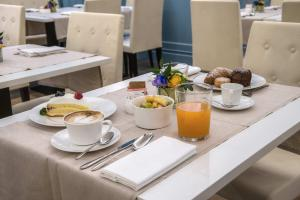 Breakfast options available to guests at Hotel Martis Palace