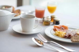 Options de petit-déjeuner proposées aux clients de l'établissement Grand Hôtel Des Thermes