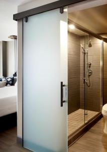 A bathroom at Portland Marriott Downtown Waterfront