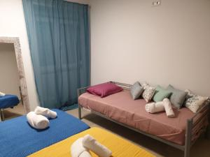 A bed or beds in a room at Lisbon Hostel Terminal 4