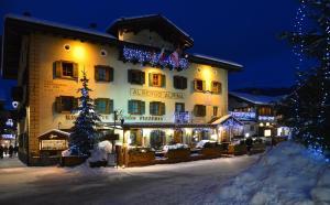 Hotel Alpina v zimě