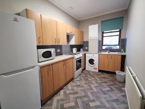 A kitchen or kitchenette at Friars Wynd