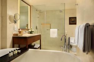 A bathroom at Padma Resort Legian