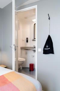 Ein Badezimmer in der Unterkunft Generator Hamburg