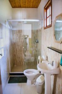A bathroom at Sítio Corta Vento