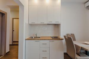 Kuhinja ili čajna kuhinja u objektu Apartmani Beko