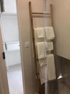 A bathroom at ★★★ Paradis Prado Mermoz proximité Mer★★★