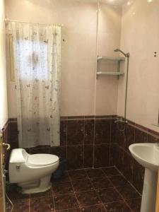 Um banheiro em Dgnna