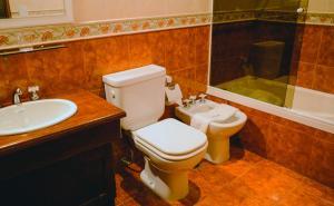 A bathroom at Posada Fueguina
