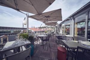 Restaurant ou autre lieu de restauration dans l'établissement Maison Nô - Hôtel et Rooftop